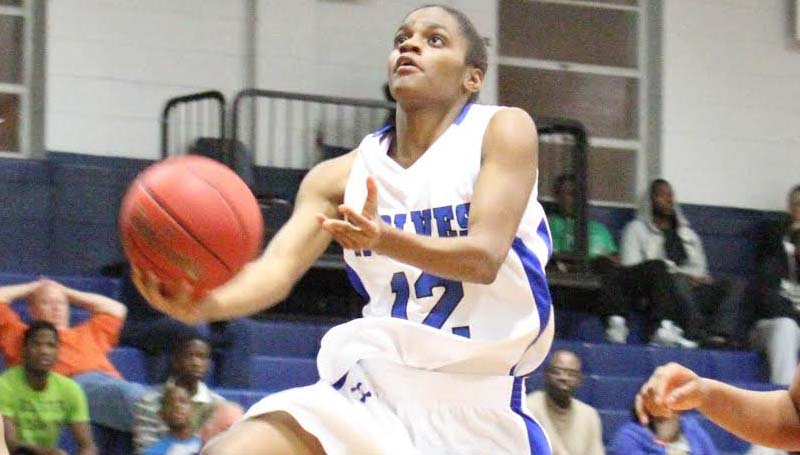 C0-Lin Media / NATALIE DAVIS / Co-Lin's Keyana Miller of Natchez (12) drives to the basket in the Lady Wolves' win over Mississippi Delta Monday night.