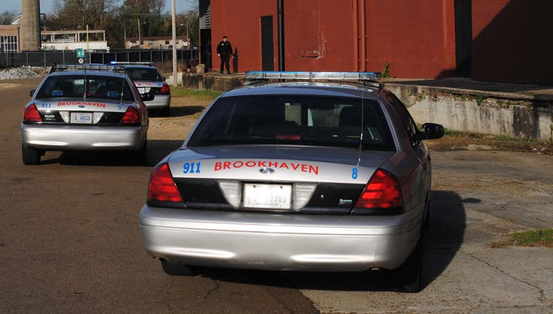 THE DAILY LEADER / JUSTIN VICORY / The Brookhaven Police Department responds to a burglary call at the Brookhaven Outreach Ministry Thursday afternoon. A bicycle was reported missing.