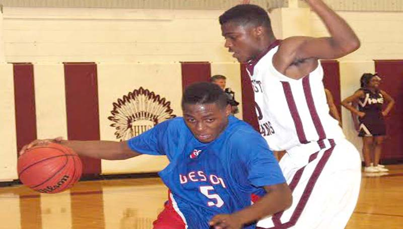 DAILY LEADER / TRACY FISCHER / Wesson's Dartavious Dixon (5) tries to get past a Hazlehurst defender Friday night.