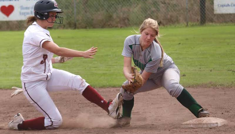 DAILY LEADER / TRACY FISCHER / Lawrence County's Lexie Johnson (3) hustles back to first base safely before Vicksburg's Faith Thomas (3) could make the tag Saturday.