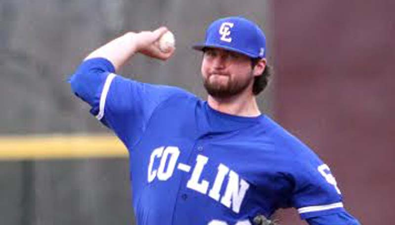 DAILY LEADER / SHERYLYN EVANS / Co-Lin's Casey Hurley delivers his pitch to Hinds in JUCO baseball action Saturday.